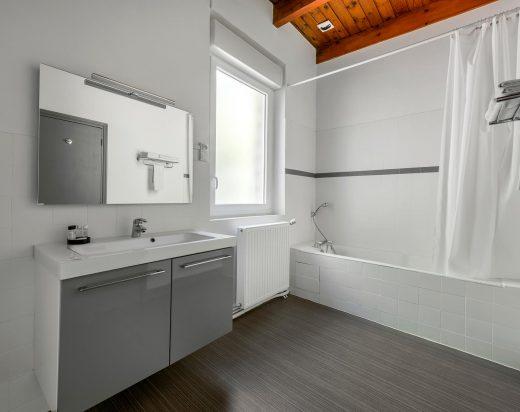 Photo d'une salle de bain d'une chambre de l'hotel proche de l'Ardeche